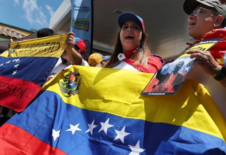 Administración Biden otorgará TPS a 300,000 venezolanos