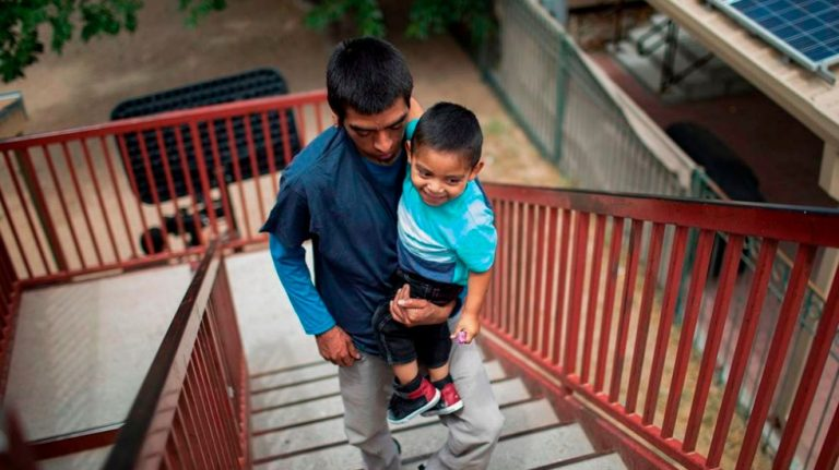 US Restarts Program To Reunite Central American Families
